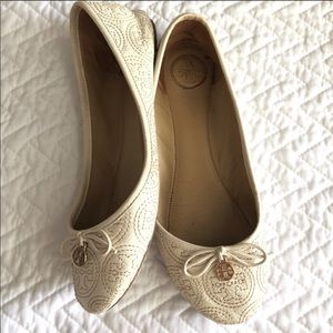 Tory Burch White Ballet Flats 8.5 Stitched